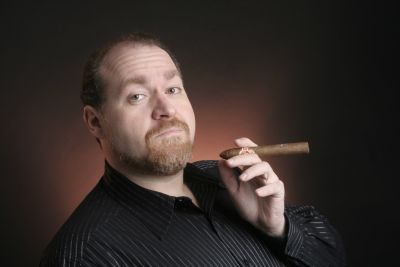 Spiele-Veteran Alex St. John erregt derzeit die Gemüter mit einer Aussage, dass er 80-Stunden-Arbeitswochen und niedrige Gehälter in der Games-Branche befürworte.  https://gamezine.de/die-lohnsklaverei-der-games-branche.html