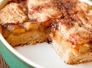 Walker House Apple Pie Cake from justapinch.com: Memorial Cakes, Vegans Apples Pies, Coffee Cakes, Recipe, Pies Coffee, Vegan Apple Pies, Apples Pies Cakes, Houses Apples, Apple Pie Cake