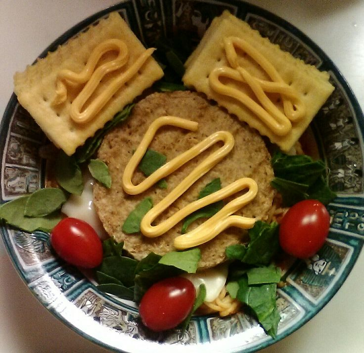 (Supper 11/15/2017 5:45 pm) Smart Ones Angel Hair Marinara with Zucchini, Boca Burger, Sargento Mozzarella Cheese, Spinach Leaves, Cherry Tomatoes, Club Crackers, Cheddar Cheese