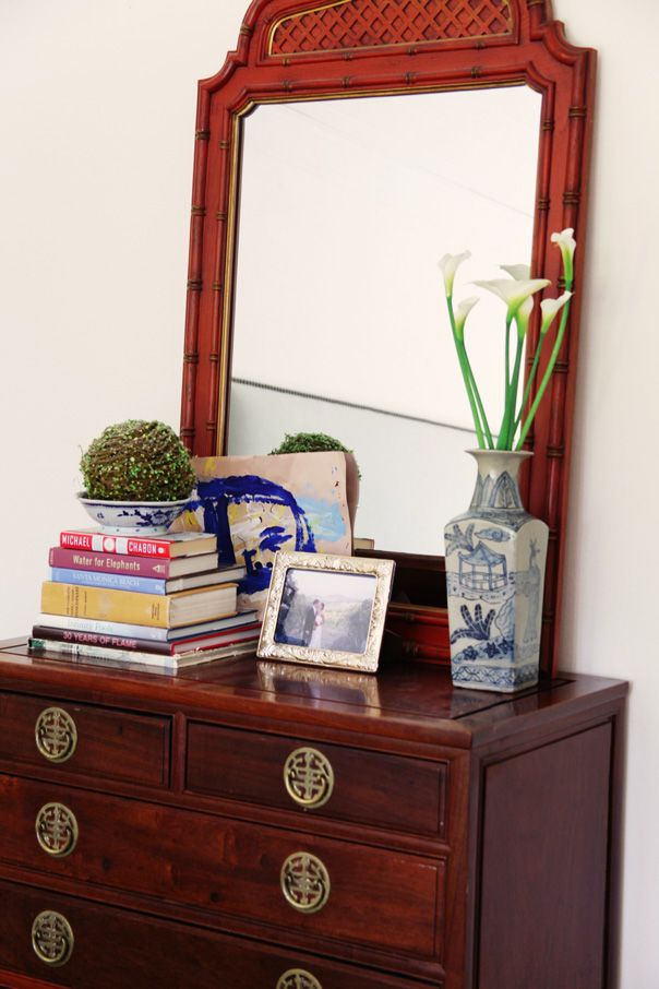styling an entryway chest