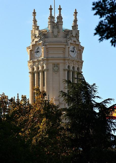 Torre del reloj del Palacio de Correos. Plaza de Cibeles. Madrid