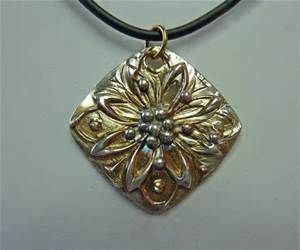 designs with metal pendants - Yahoo India Image Search results
