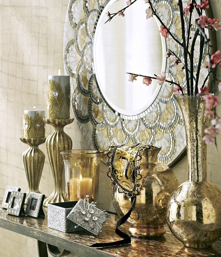 We've taken a shine to your style and made it an art with the Pier 1 Pearl & Gold Round Mirror