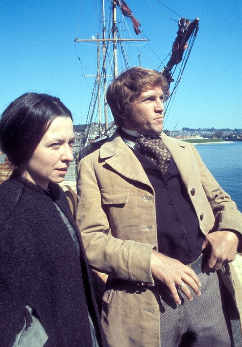Anne Stallybrass and Peter Gilmore as Anne and James Onedin. The two also married later in real life.