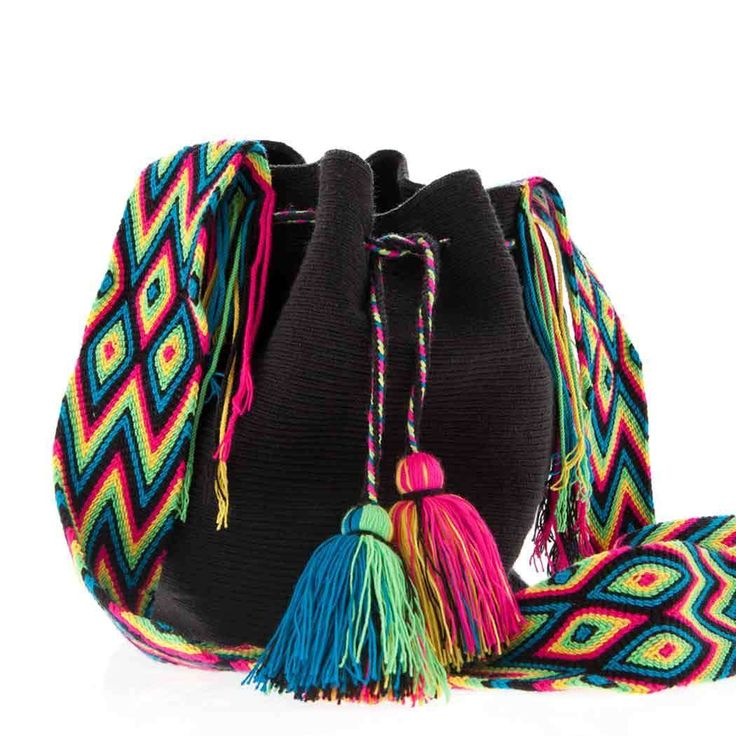 Wayuu Bag :: Wayuu Taya Mochila Round Bag : Hand-woven in Black with Multi-Color Strap