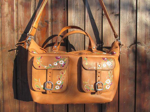 Leather Duffle Bag / Weekend Bag / Handmade Duffle Bag / Leather Travel Bag / Brown Leather Travel Bag / Overnight Bag / Womens Travel Bag #weekenderbag #overnightbag