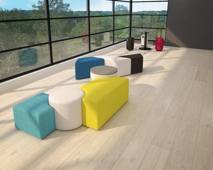 Combine Element seating modules and tables to create, arrange or rearrange your lounge or break area.