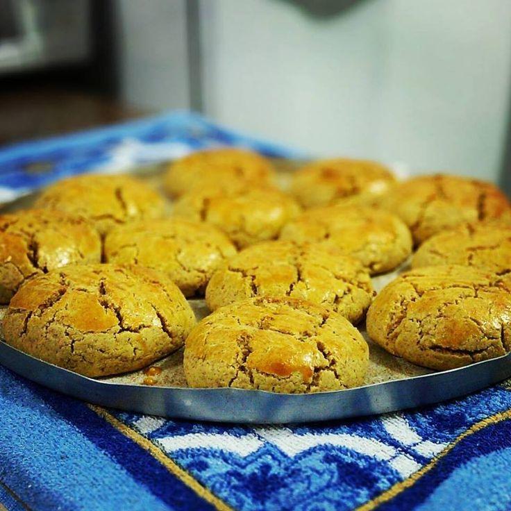 Receita de Pão de Minuto - 3 xícaras (chá) de farinha de trigo , 2 colheres (sopa) de fermento químico em pó , 2 colheres (sopa) de margarina , 2 colheres (...