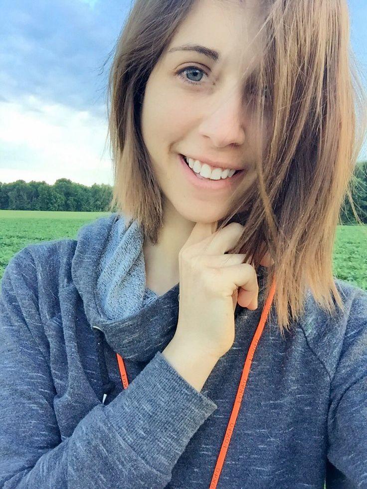 Chloe Lewis | Twitter