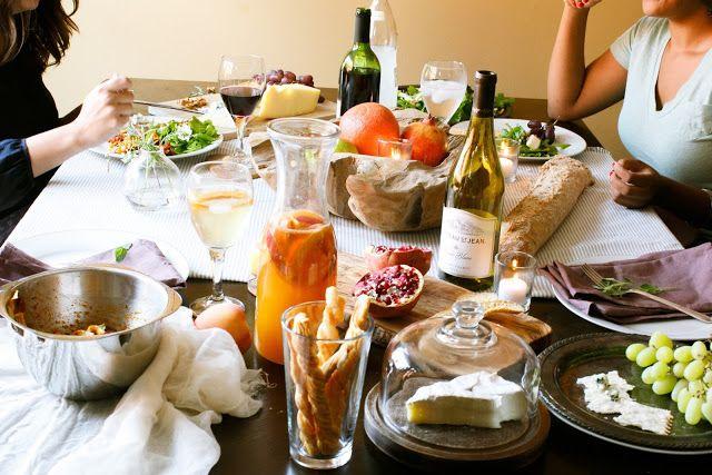 アリアラブリーで撮影されたjulieblanner.com経由で楽な優雅さとホームパーティーでのホスティング