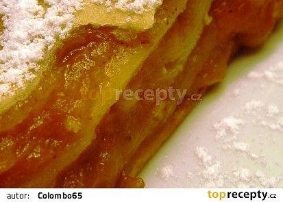 Babiččin meruňkovo - jablečný závin