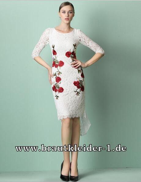 Weißes Standesamt Kleid mit Rote Rosen
