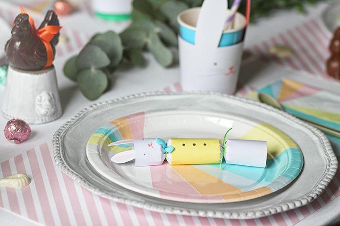 Déjeuner ou diner de Pâques en vue: vaisselle astier de villatte mélangée avec des éléments jetables My Little Day, des petits oeufs d'A La Mere de Famille. Easter is coming!