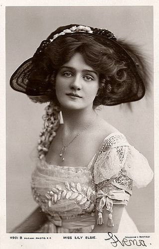 Miss Lily Elsie c1908~~ When people really knew how to dress!