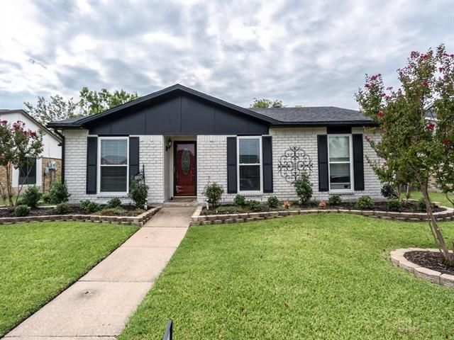 This well maintained charming 3/2/2, located in the heart of it all and is in award winning Rockwall-ISD!8810 LINDA VISTA DRIVE, ROWLETT, TX 75088 – 'bit Southern Realty Group | eXp Realty