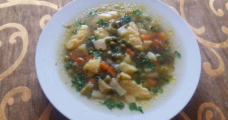Mennyei Zöldséges leves daragaluskával recept! Nagyon szeretjük, mert sok friss zöldséget lehet beletenni, sokszor készítem.
