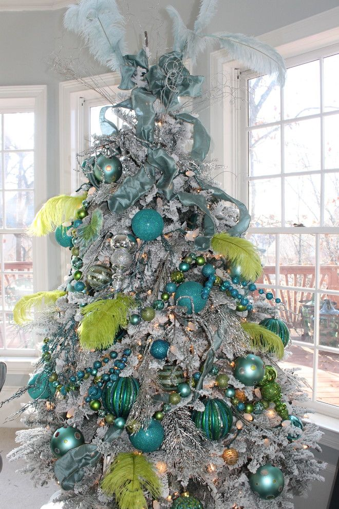 Extravagant Christmas tree in blue and lime - 15 Great Colorful Ideas for Home Decorations