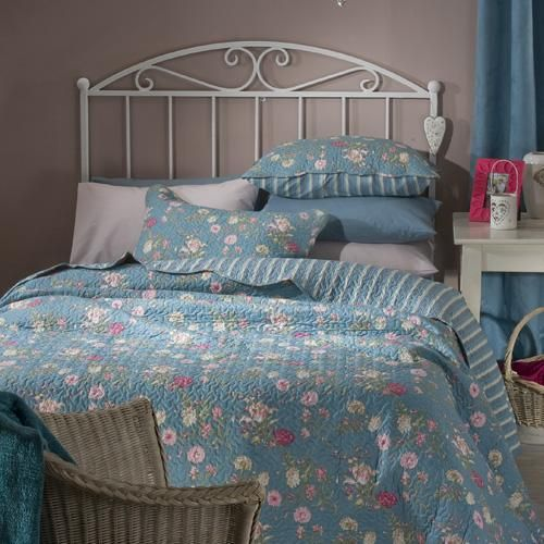 Floral teal quilt | Reversible pinstriped design | Scalloped edges | Matching pillowcase(s) | Machine washable