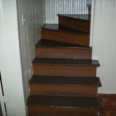 Old Narrow Staircase with Natural Crackle Ad Number: 3861 Category: Share