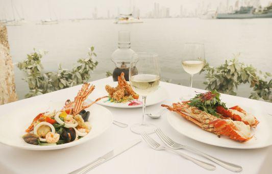 Lobster lunch perfection @ Club de Pesca Restaurant Bar & Grill  http://ticartagena.com/en/things-to-do/restaurants/club-de-pesca-a-seafood-fortress/