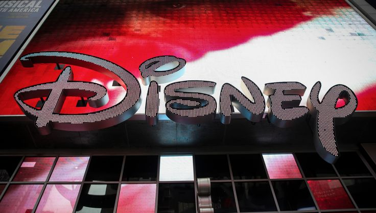 Disney Buys Fox, Will Viewers Pay the Price?    Disney's $52.4 billion purchase of 21st Century Fox shrinks the media landscape, increases Fox News' position, and could jack prices for consumers, says Craig Aaron of Free Press