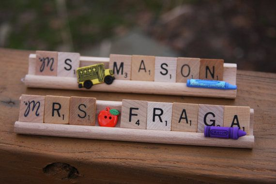 Such a cute nameplate for teacher's desk---though the last name would have to be short and mine's NOT!
