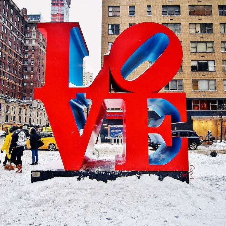 L O V E N Y C by Gigi Altarejos @gigi_nyc by newyorkcityfeelings.com - The Best Photos and Videos of New York City including the Statue of Liberty Brooklyn Bridge Central Park Empire State Building Chrysler Building and other popular New York places and attractions.