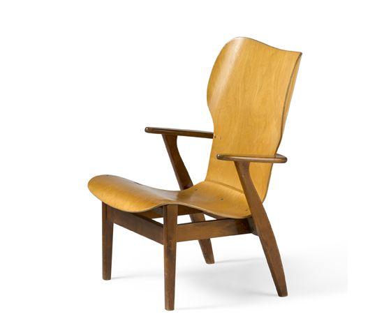 Ilmari Tapiovaara / Keravan Puuteollisuus, tuoli / chair Domus 1946. kuva / photo Rauno Träskelin © Design Museum Helsinki