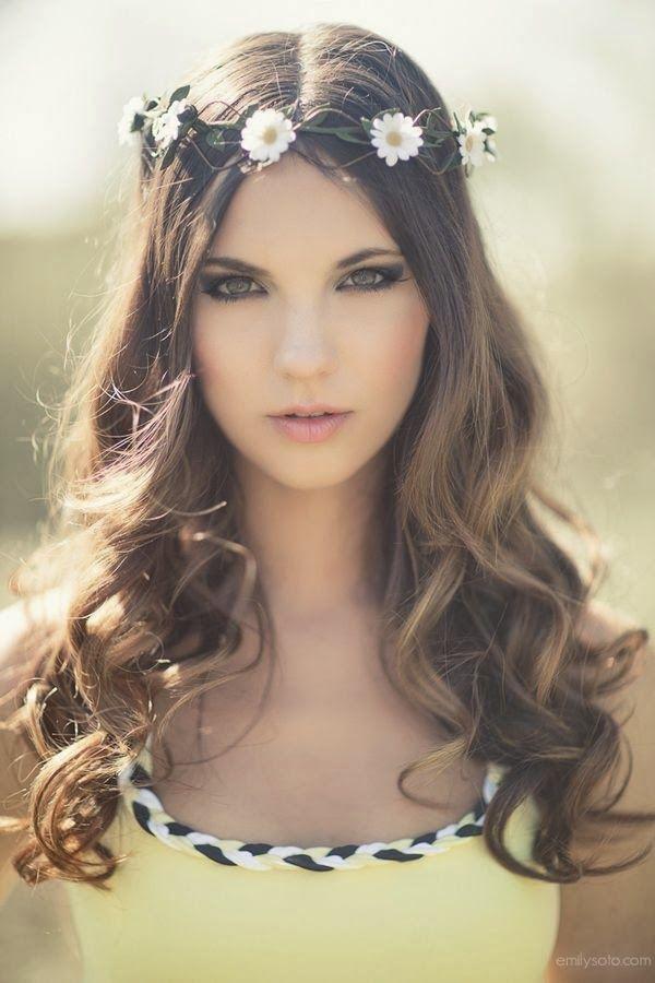 Detalles de bodas bonitas: coronas de flores para el pelo