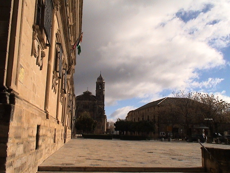 ...de la Calle entramos en la Plaza de Juan Vazquez de Molina...