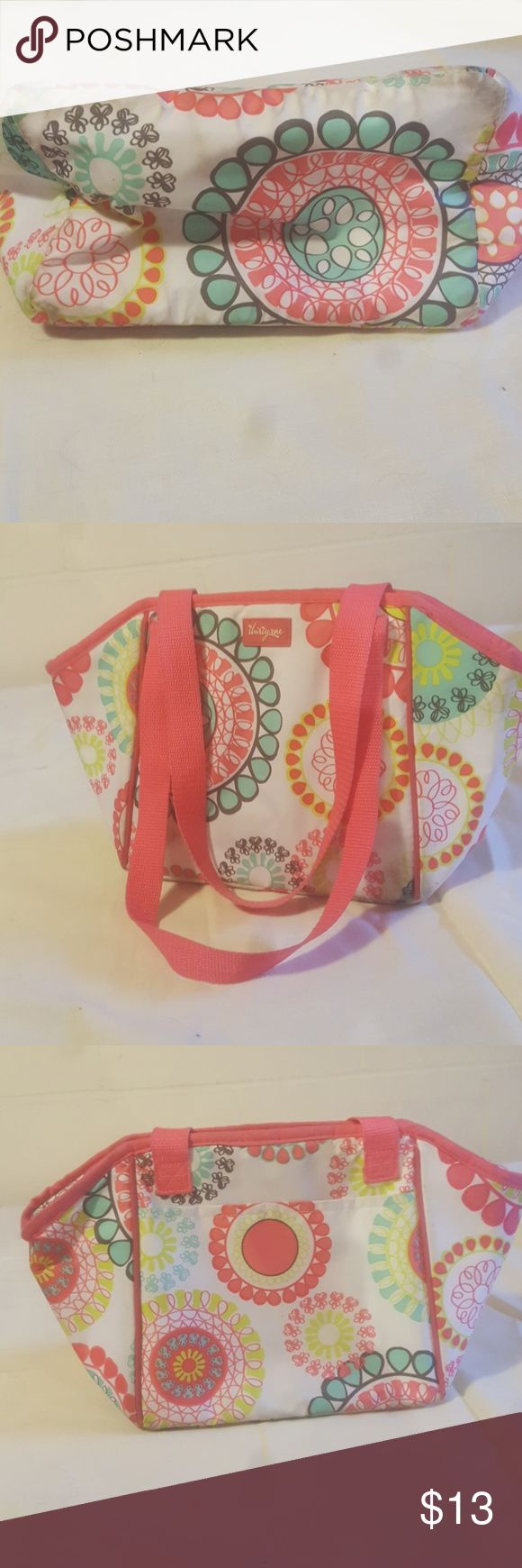 Thirty-one insulated lunch box Used in fair condition thirty one lunch box. Great for working 12 hour days and your food still being cold😀 thirty-one Bags
