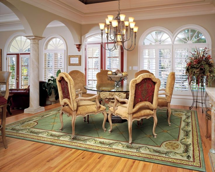 Great balance what works with oriental rugs like em or for Small luxury dining room