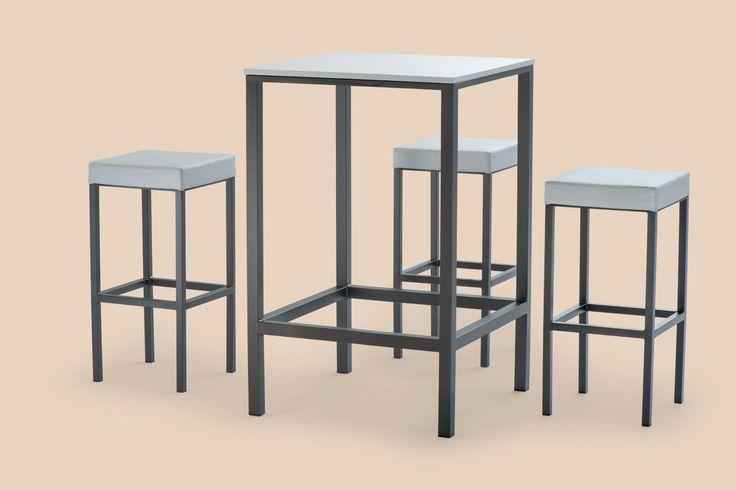 Tavolo alto in metallo verniciato, con piedini antiscivolo