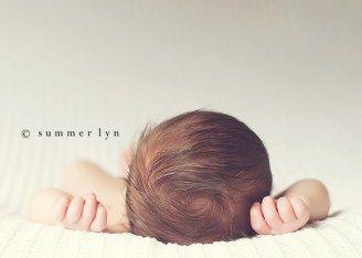 Newborn photography pose ideas 12