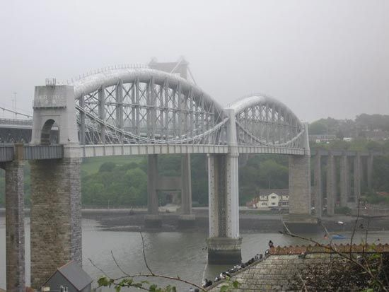 bambuco bridge united kingdom | The Royal Albert Bridge over the River Tamar at Saltash, Cornwall, Eng ...