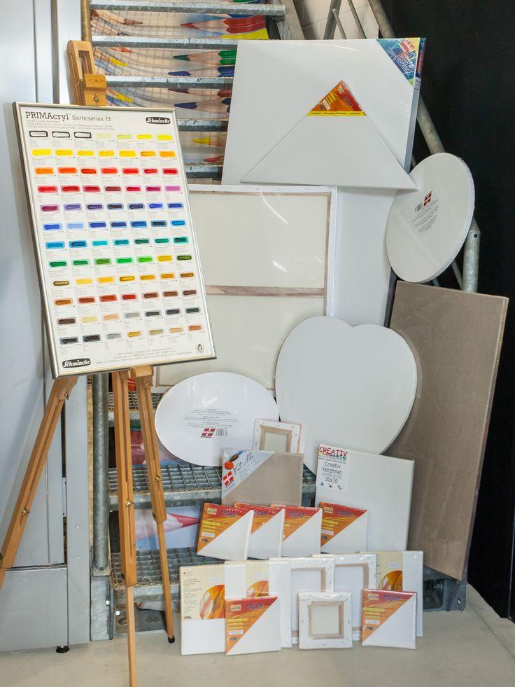 Auch Künstler finden bei uns eine ordentliche Auswahl an Leinwänden, Keilrahmen und ein umfassendes Farbensortiment!