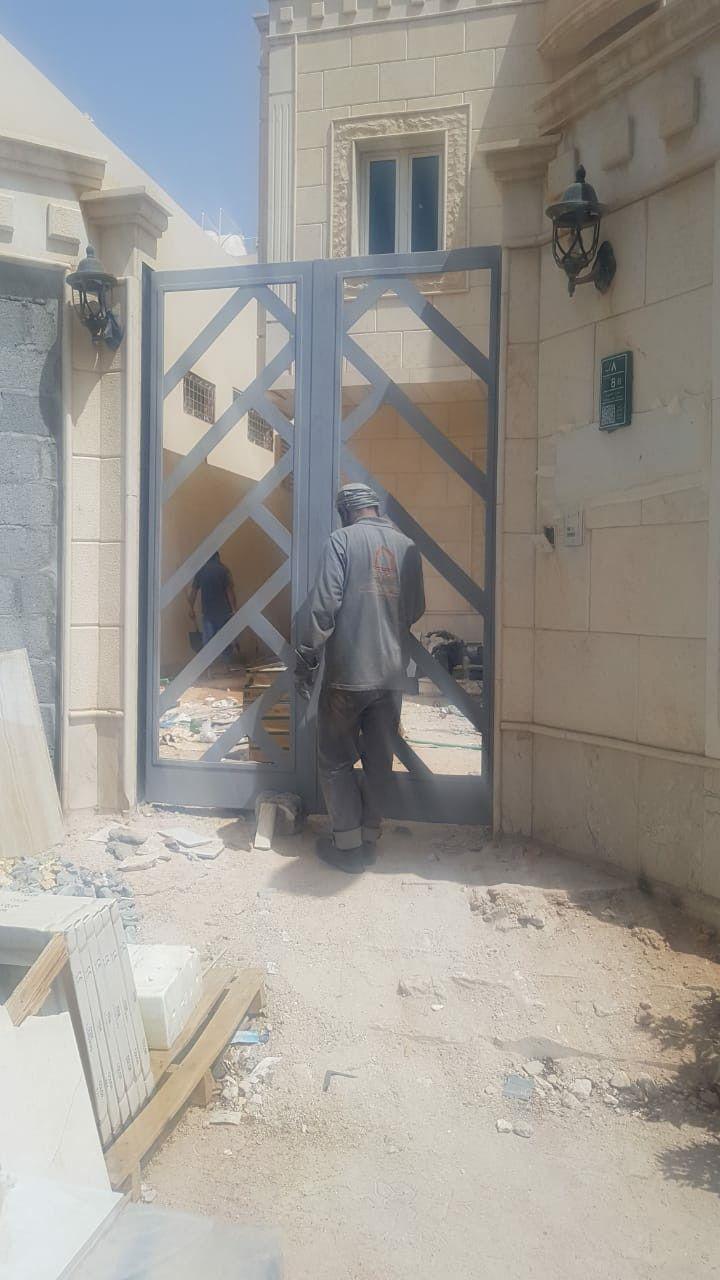 Pin By Mustafa Shawerdi On أبواب حديد نيو كلاسيك مشغول و حديد قص ليزر Structures Road Alley
