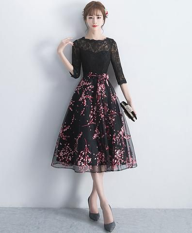 9298b09fa36 Gray v neck tulle beads short prom dress