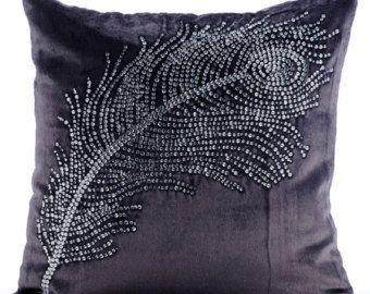 Hecho a mano Carbón Púrpura Cubierta Cojines, 40x40 cm Terciopelo, Cuadrado Cristales Pluma Del Pavo Real Cubierta Cojines - Peacock Bliss