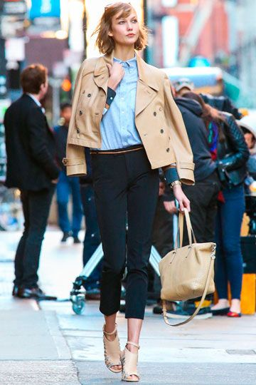 Karlie Kloss, blue button-down, navy cropped trousers, cropped trench coat, nude heels