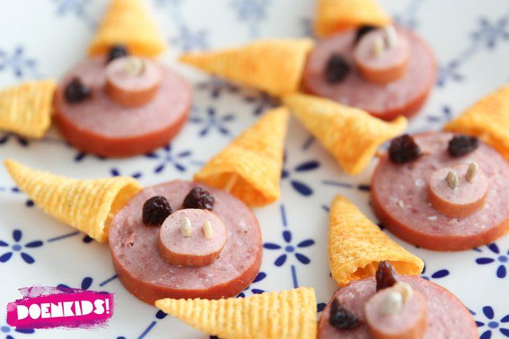 Kips | Deze worstsnoetjes (via Doenkids) zijn leuk om te maken én om op te eten! #traktatie #tip
