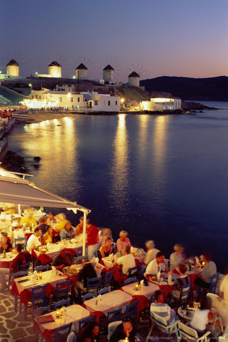 Perfect dinning setting in Mykonos