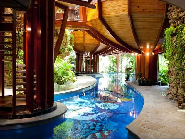 Indoor pool in ohio and 14 more amazing water homes for Amazing pool houses