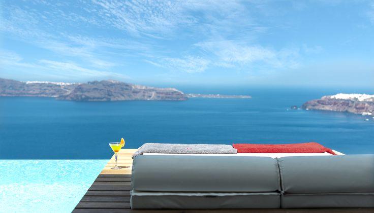 Superior pool suite West East Santorini