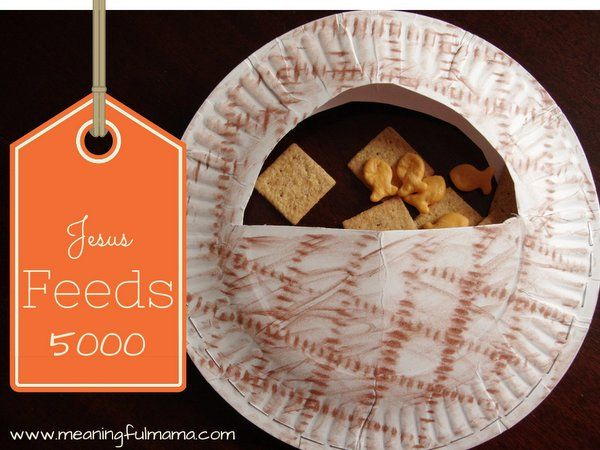 Jesus Feeds 5000 Fishes and Loaves craft - AWANA Cubbies Bear Hug #20 - Cubbies Series by Meaningful Mama