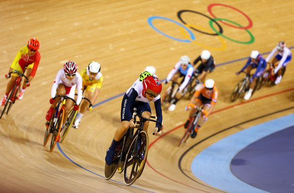 Laura Trott Photos - Laura Trott (front) of  Great Britain in action during the Women's Omnium Track Cycling Women's Omnium Track Cycling 20km…