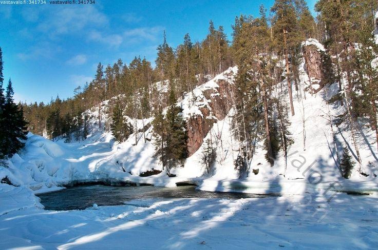 Jyrävä rapid in winter time (Kuusamo)