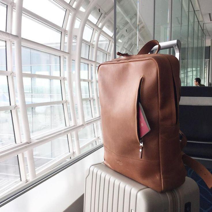 出張に行ってきます 今回は荷物少なめ お気に入りのバッグも連れて さてさて今回の行き先は Businessman trip with my favorite @holla.handcrafted backpack. Guess my destination  #trip #airport #business #leather  #leatherbackpack  #hollahandcrafted  #YOLO #tagsforlike #tflers #instagood #instadiary #instalike #instapic #instaphoto #leathergoods