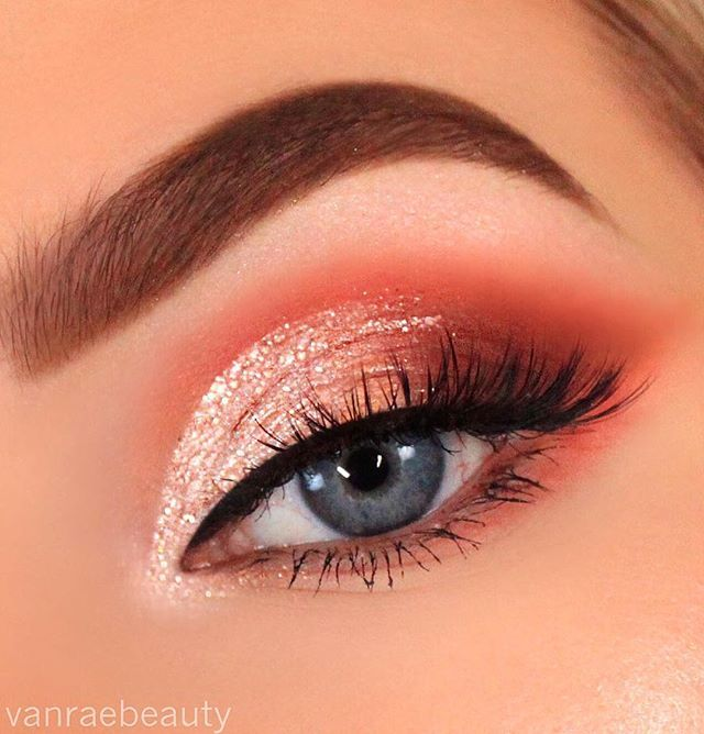 WEBSTA @vanraebeauty All I need in life is endless glitter ✨✨✨ Details: Eyes • @toofaced Just Peachy Matte palette shades just peachy, peach punch and peach tart in crease, with the new Glitter pop liner in shade Rosé all day all over the lid Lashes • @houseoflashes Iconic Lites Brows • @anastasiavbeverlyhills Soft Brown dipbrow Liner • @sigmabeauty Wicked gel