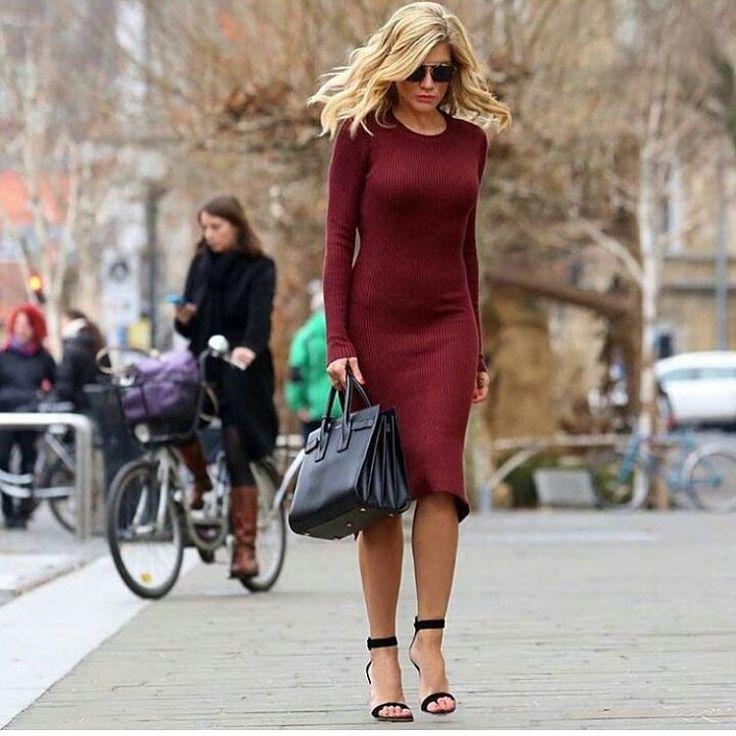 KUP BUTÓW: http://www.renee.pl/sandaly_clarie_1004_czarny.html  heels, szpilki, zamszowe, beige, pastel, hips, curvy, ootd, mirror, selfie, mirrorcheck, inspiracja, pink, różowe, car, girl, woman, elegant, jeans, look, fashion, moda, nogi, legs, dress